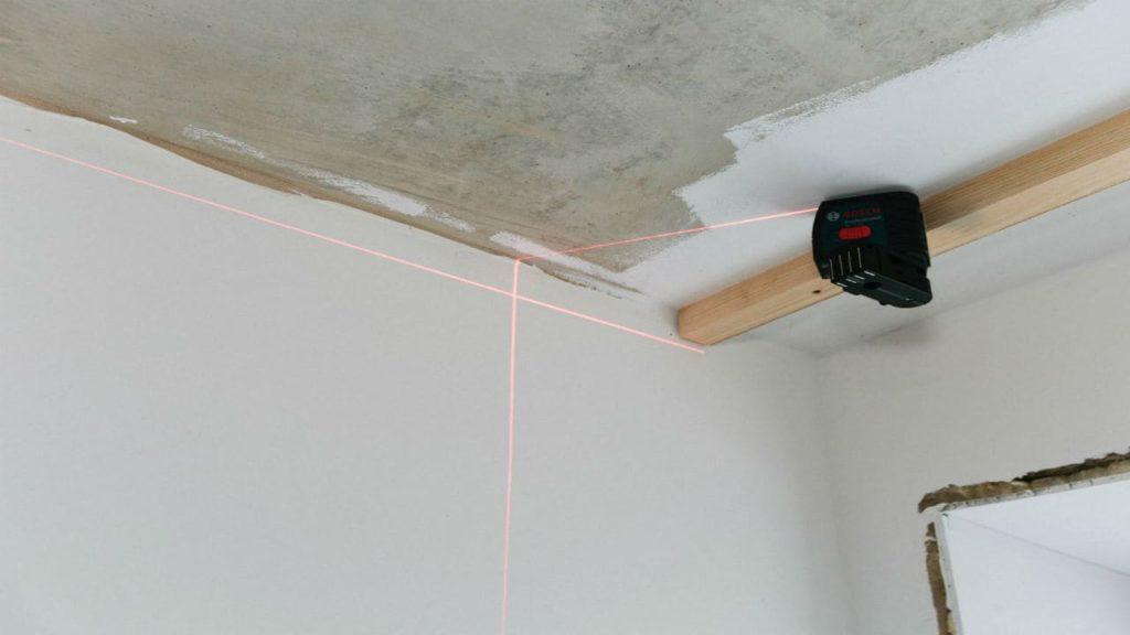 Глянцевые натяжные потолки установка
